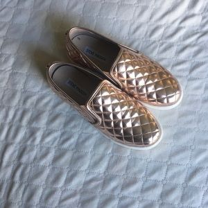 Steve Madden ECENTRCQ Quilted Slip On Shoes